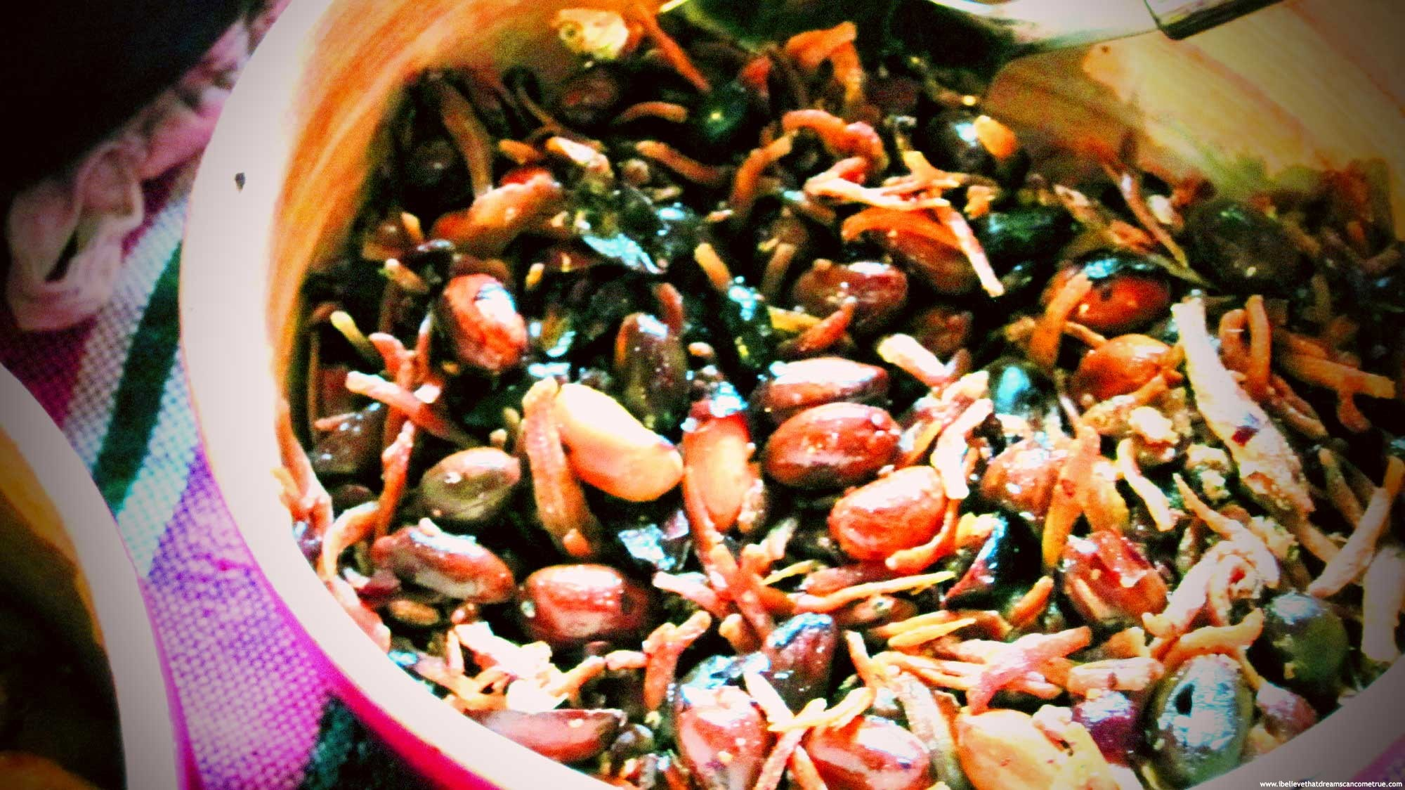 Ikan bilis (anchovies) with peanuts